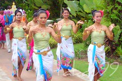 Songkran Dancing Girls, Thailand