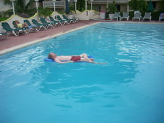 In the pool (Jason&Christy) Tags: jason club jamaica ambience