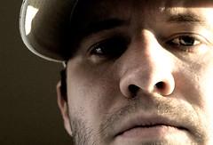 day 19 : threesixtyfive (ishiftdelete) Tags: selfportrait me d50 50mmf28 365days 365sept08