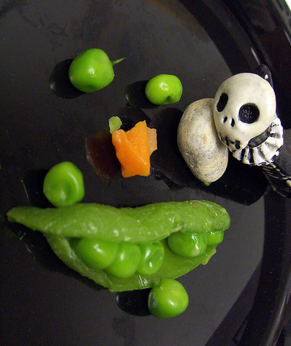 Skelly and the veggie face