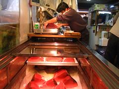 Weighing tuna