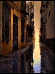 REFLEJOS DE CALLE (costadelsol59) Tags: street reflections calle spain agua floor malaga reflejos callejon charco costadelsol59