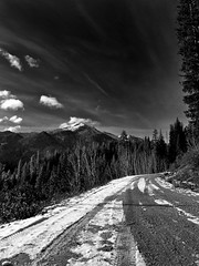 High Road (Nurse Kato) Tags: road mountains monochrome washington aperture raw cascades g10 canonpowershotg10 canong10