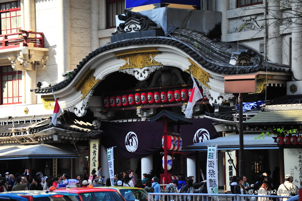 So many people have been to see Kabuki at this famous location, it will feel strange to them to see a new building take its place.