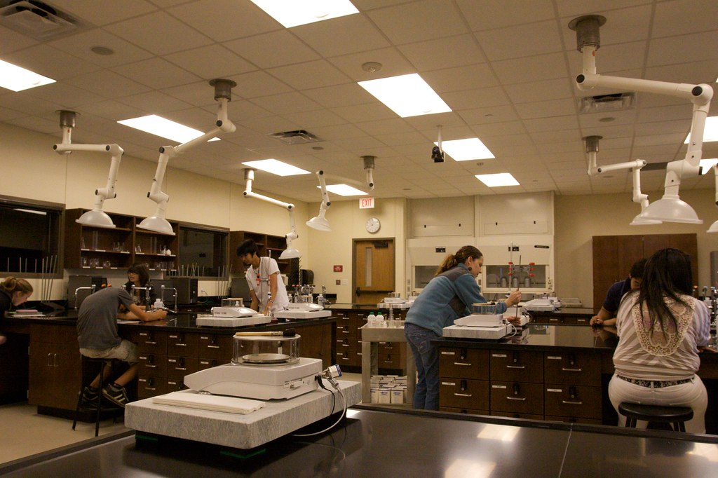 ECHS Has New Chemistry Lab