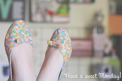 171/365 have a sweet monday (Honey Pie!) Tags: cute feet funny bokeh days honey bow ps 365 candies sapatilhas lao balinhas alicedisse 365days 365daysproject 365dias 365daysofhoney