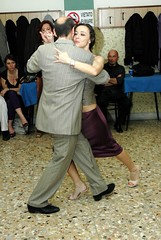Tangoy: Ricardo Viqueira e Monica Fontana, Milonga traspie' (rogimmi) Tags: italia milano danza tango ballo tangoargentino argentino milonga ballerini esibizione traspie tangoy riccardoviqueira monicafontana