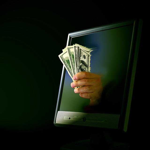 El dinero dicta el uso de Internet. Foto en Flickr de Don Hankins