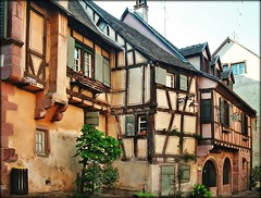 Medieval Gem in Alsace - Riquewihr, France (Batikart ... handicapped ... sorry for no comments) Tags: city travel autumn vacation house holiday france flower building tree fall window architecture geotagged town frankreich europa europe cityscape village urlaub haus stadt architektur 2008 baum gebude elsass vacanze halftimbered fachwerk stadtbild fachwerkhaus riquewihr fachwerkhaeuser halftimberedhouse 50faves viewonblack colorphotoaward aplusphoto holidaysvacanzeurlaub batikart regionalsace departmenthauterhin woddenframework saariysqualitypictures