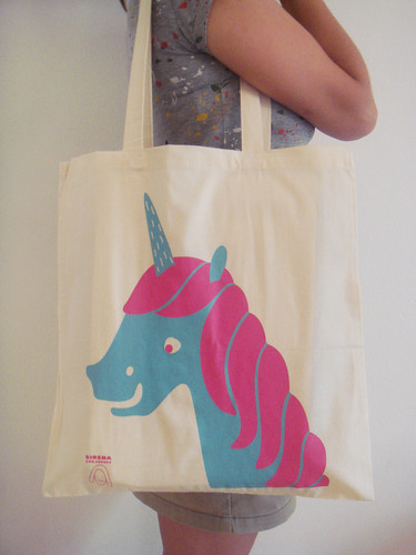 NEW Unicorn tote bag by Sirena con jersey.
