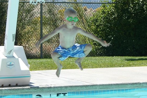 Sammy jump open legs