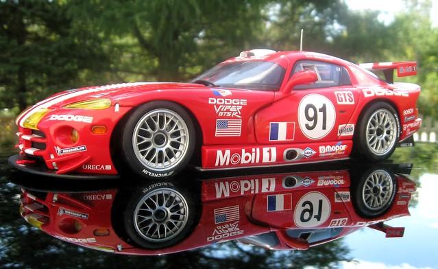 red 1999 class mans le winner dodge viper 91 118 gtsr autoart