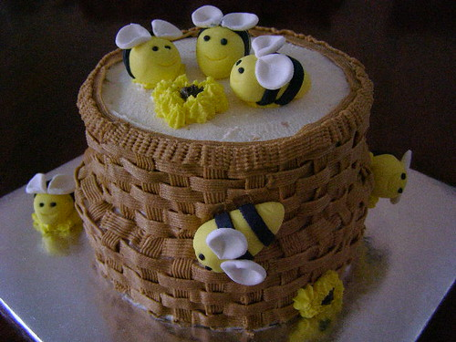 Bee-cause cake!!!!