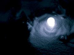 A light in the middle of the cold snow...at night (Delire Lucide) Tags: chile blue santiago light en snow cold macro luz night canon landscape noche shine shot paisaje powershot sueos dreams tones mis frio canonpowershot azules delire tonos lucide nive a530 colourartaward