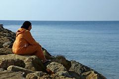 MELANCOLÍA (ángel mateo) Tags: españa persona andalucía mujer spain playa almería almerimar elejido árabe ángelmartínmateo ángelmateo