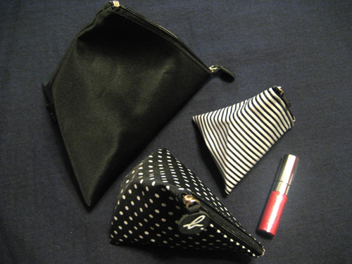 agnis b's Cosmetic Bags by ELLE's free gift
