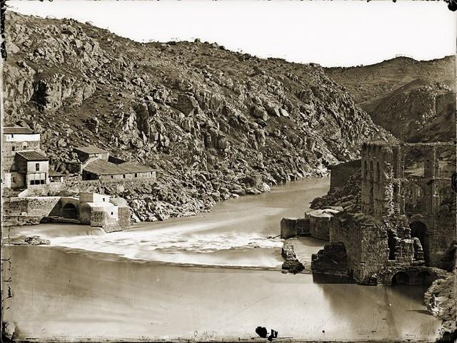 Torno del Tajo en Toledo en el lugar donde se levantaba el Artificio de Juanelo y el acueducto romano. Foto Jean Laurent 1858