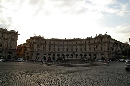 羅馬很多這樣的廣場