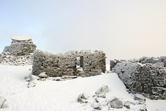 Shelter and ruined weather station (PeteB78) Tags: sunset sky cloud sun white mist mountain snow ice birds rock scotland view hiking altitude descent munroe freezing cliffs bennevis summit crow loch raven walkers icicles fortwilliam ascent highest tallest trigpoint belowfreezing mountaintrack lochlinne summitshelter topoftheuk