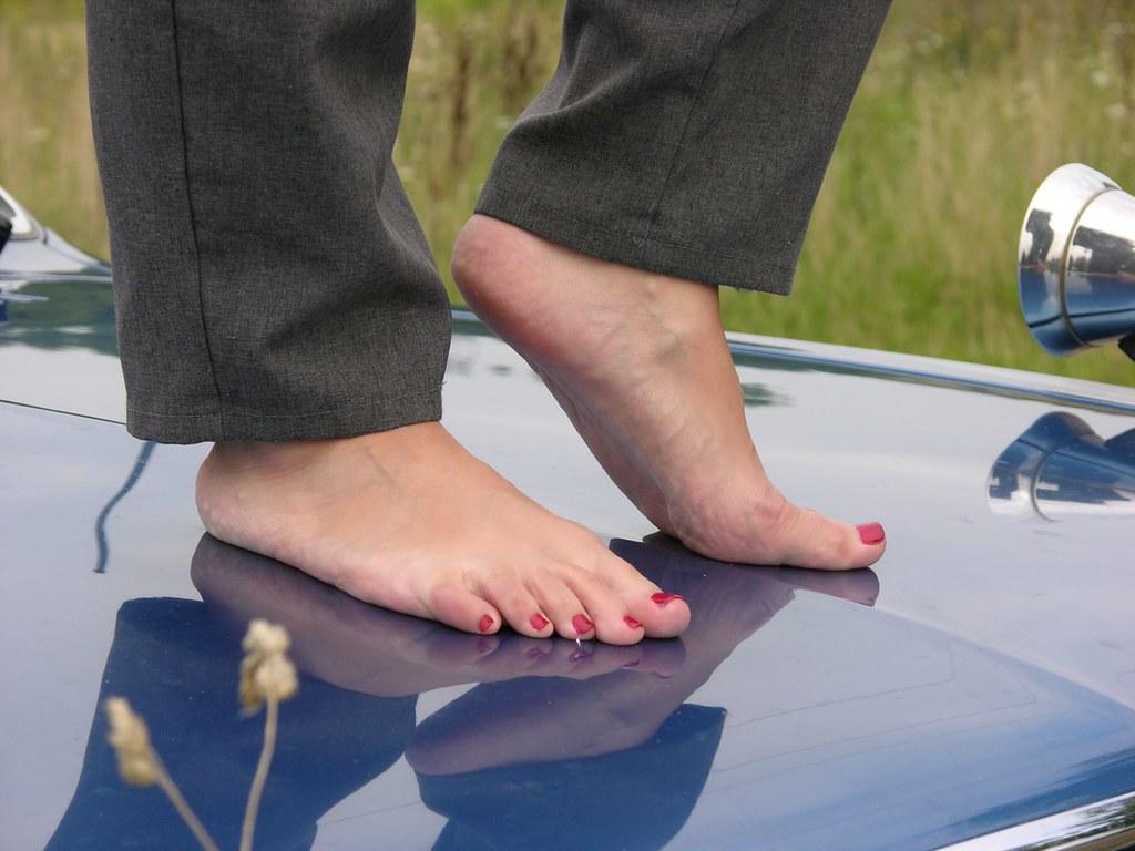 Amateur feet solo lesbians pawn their asses