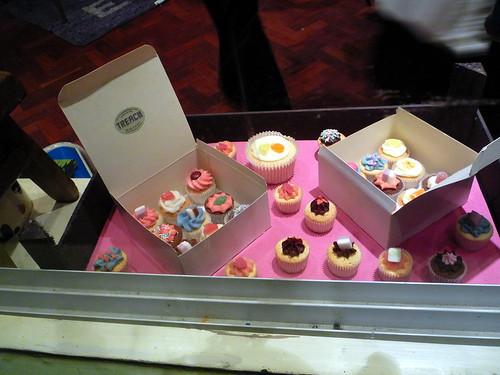 Cakes, Christmas on Columbia Road, London, UK.JPG by gruntzooki.
