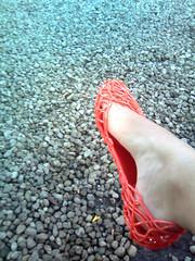 ... - Explored! (swtrock'n'roller) Tags: orange color feet laranja melissa melissacampana colorfulfeet tuaniladeira