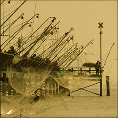 . (rita vita finzi) Tags: light sea people beach fishermen ferrara atthebeach nets today tangle lidodivolano