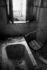 (Adriano Agull) Tags: bw casa nikon silla giles bao baera aseo abandonado santaeulalia d40