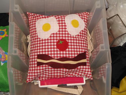 Breakfast face cushion