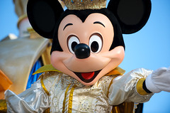 Joyful Mickey (disneymike) Tags: california portrait smile mouse nikon mainstreet disneyland disney mickey parade mickeymouse anaheim nikkor mainst float speedlight d3 mainstreetusa sb800 70200mmf28gvr disneylandpark mainstusa