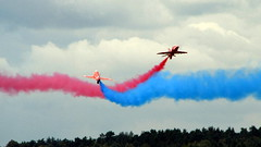 Farnborough 2008 (Flight Fantastic) Tags: red airplane display aircraft formation airshow arrows 2008 farnborough