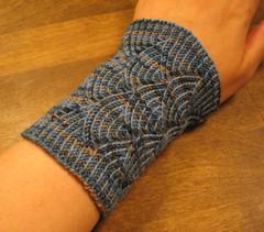 Pomatomus Wrist Warmers