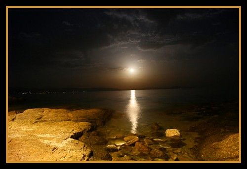 fullmoon in logaras beach....