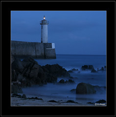 Audierne s'endort (jo.pensel) Tags: longexposure lighthouse brittany bretagne breizh phare finistre pensel audierne aplusphoto jopensel leraoulic wbnawfr
