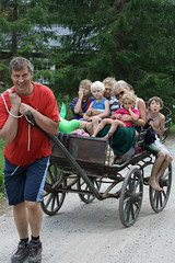 2008.07.11 Säljesta 33 (smalltalk80) Tags: elina oscar sweden ella anthony sverige 2008 mattias eirik ylva hälsingland vagn aslak säljesta hästvagn phaetonvagn
