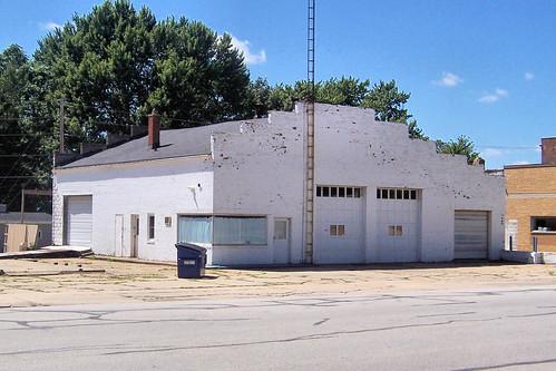 Fomer garage, Argos