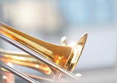 Zoetermeer Jazz 2008 (FaceMePLS) Tags: music nederland thenetherlands zoetermeer muziek instrument trombone blazers koper stadshart stadhuisplein muziekinstrument facemepls nikond300 schuiftrompet dirigentarianmuusz