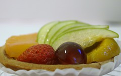 Fruit Pie ({ Bint ElnuzHa~) Tags: apple shop fruit pie yummy strawberry peach diet grape    pinnapple