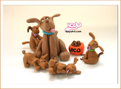 the loco family! (Noa Oron) Tags: sculpture dogs handmade loco polymerclay fimo figurines      noaoron  noyaartcom