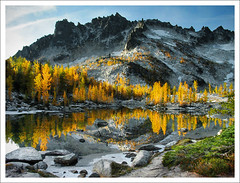 5544. (koaflashboy) Tags: autumn colour washington 500v20f jpeg larches canong2 theenchantments 250v10f mcclellanpeak leprechaunlake enchantments08