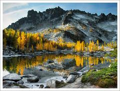 5544. (koaflashboy) Tags: autumn colour washington 500v20f jpeg larches canong2 theenchantments 250v10f mcclellanpeak leprechaunlake enchantments08