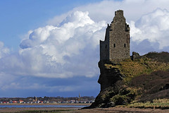 Greenan Castle (BoboftheGlen) Tags: uk castle beach coast scotland shore ayr ayrshire seafield greenan doonfoot coastuk