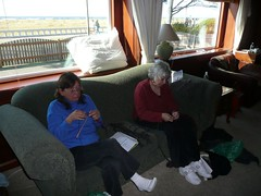 Alyson & Suzanne knitting