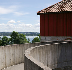 IMGP5165 (Peter Guthrie) Tags: norway museum architecture modern concrete norge 60s ramp modernism ramps norwegian fehn curve curved hamar scandinavian arkitektur hedmark domkirkeodden sverrefehn hedmarksmuseet boardmarked