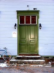 Volda dr - Door in Volda (erlingsi) Tags: door geotagged puerta porta oc 6100 tr volda sunnmre noreg dr  erlingsi  erlingsivertsen  rdekorshuset geo:lat=62150198 geo:lon=6066772