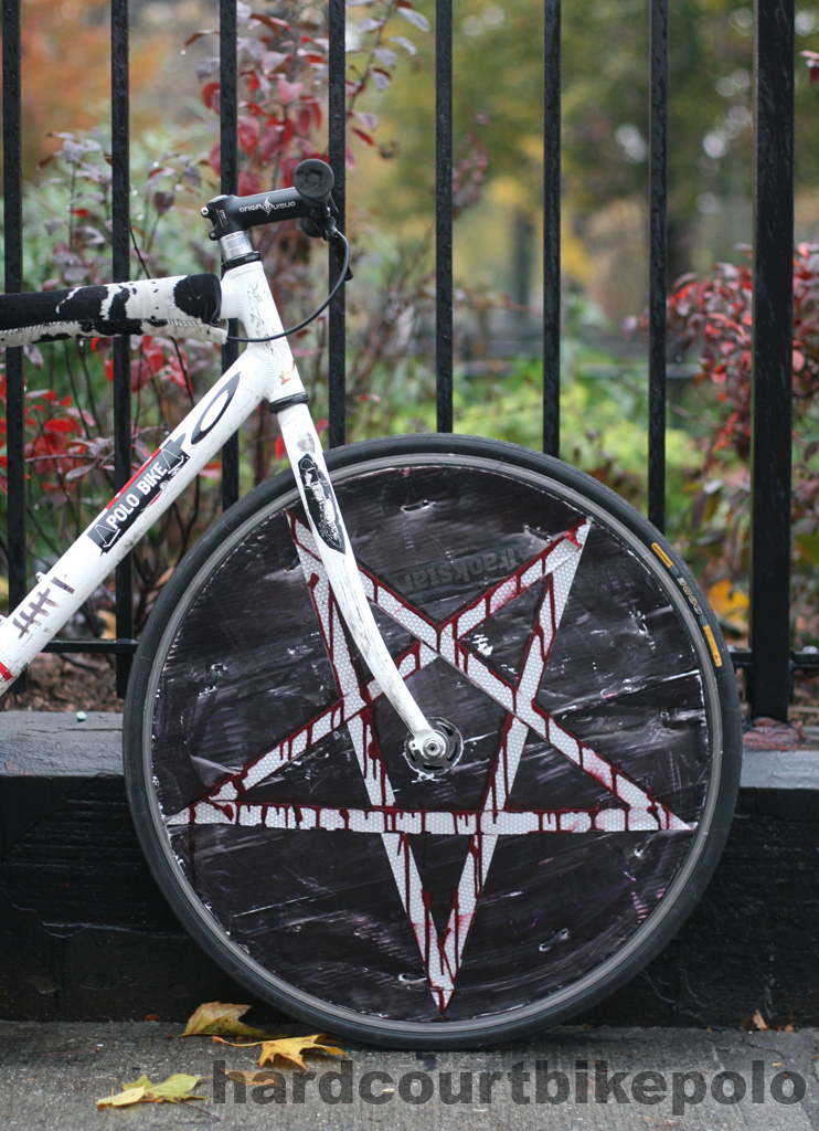 Bloodly pentagram bike polo wheel cover