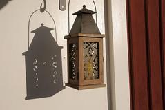 Visar vägen hem (Walter Edler) Tags: lamp mood sweden schweden sverige lantern laterne lanterna värmland abendstimmung hällefors hjulsjö örebrolän westmanland skimmning