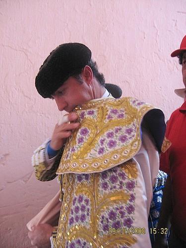 El Fandi en la puerta de cuadrillas de Lima