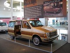 Walter P. Chrysler Museum: 1984 Plymouth Voyager (harry_nl) Tags: usa museum michigan plymouth 1984 voyager chrysler minivan auburnhills 2008 woodgrain