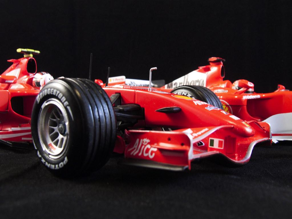 Ferrari F2007 & F248, Kimi & Schumi (02)